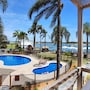 麦夸里港水滨酒店