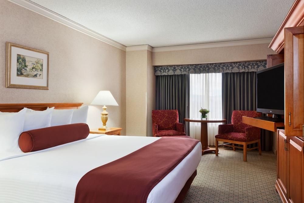Reno strip hotel