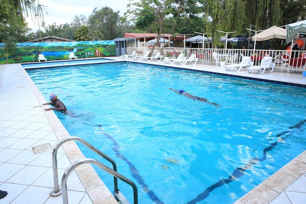 游泳池_沙舍摩内海利酒店, 沙舍默内, 室外游泳池