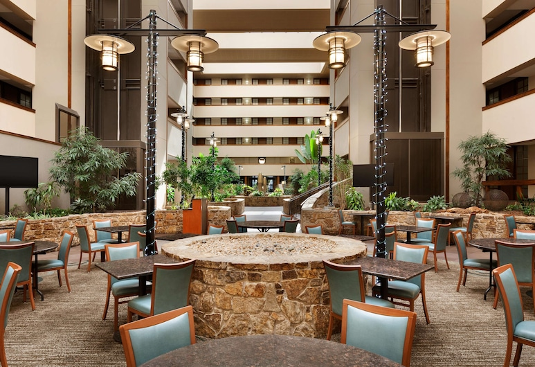 Embassy Suites Oklahoma City Will Rogers Airport, אוקלהומה סיטי, לובי