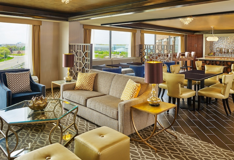 Sheraton Lisle Naperville Hotel, Lisle, Habitación Club, 2 camas Queen size, acceso a la sala de negocios, Salón en el lobby