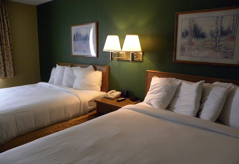 New Victorian Inn and Suites, Kearney, Standard Room, 2 Queen Beds, Guest Room