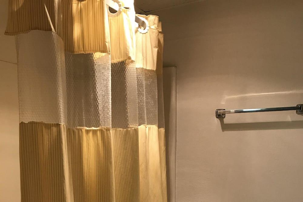 Zimmer, 1 Queen-Bett, Raucher - Badezimmer