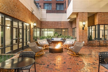 Picture of Sheraton Suites Old Town Alexandria in Alexandria