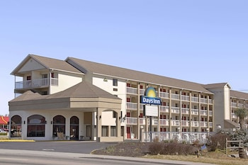 Picture of Days Inn Apple Valley Sevierville/Pigeon Forge in Sevierville