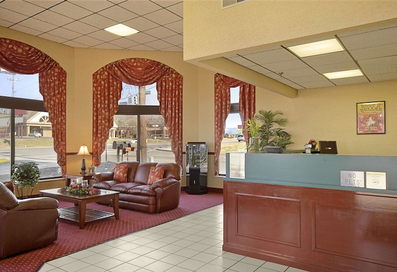 Days Inn by Wyndham Apple Valley Pigeon Forge/Sevierville, Sevierville, Lobby
