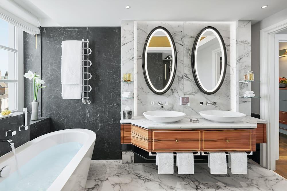 Suite, Tower - Bathroom