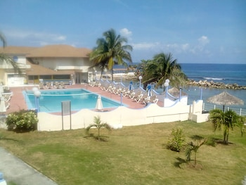 Imagen de Club Ambiance All Inclusive Adults Only en Runaway Bay