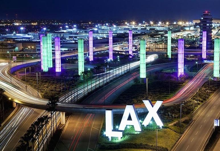 Wingate by Wyndham Los Angeles International Airport LAX, Inglewood, Upgraded, Štandardná izba, 1 extra veľké dvojlôžko s rozkladacou sedačkou, Výhľad z hosťovskej izby