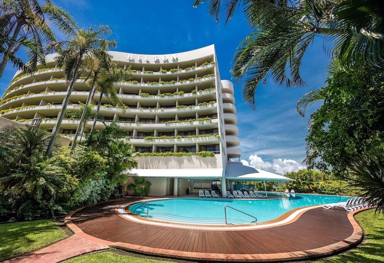 Hilton Cairns, Cairns, Pool