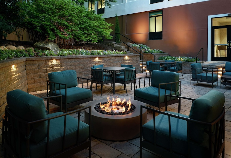 Hilton Garden Inn Atlanta-Buckhead, אטלנטה, מרפסת/פטיו