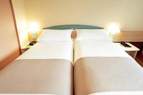 杜伊斯堡中央火車站宜必思酒店/