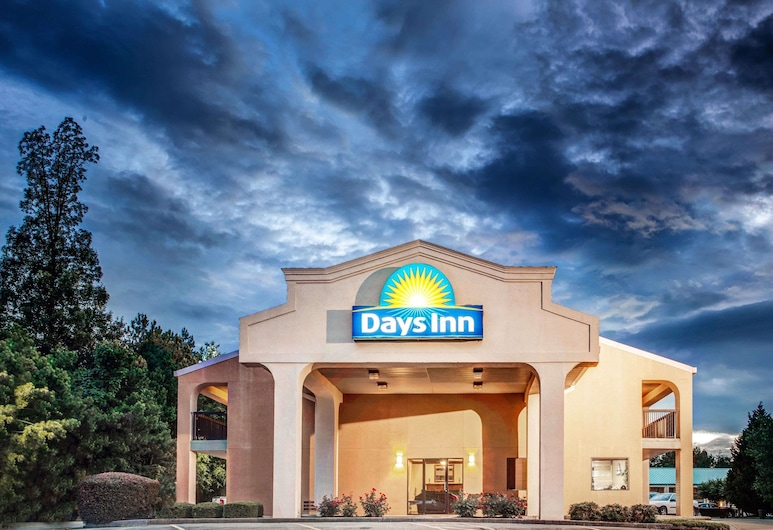 Days Inn by Wyndham Kennesaw, Kennesaw