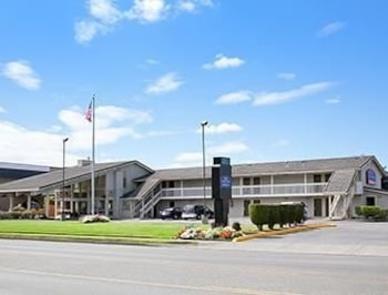 Picture of Howard Johnson Inn & Suites Tacoma Near McChord AFB in Tacoma