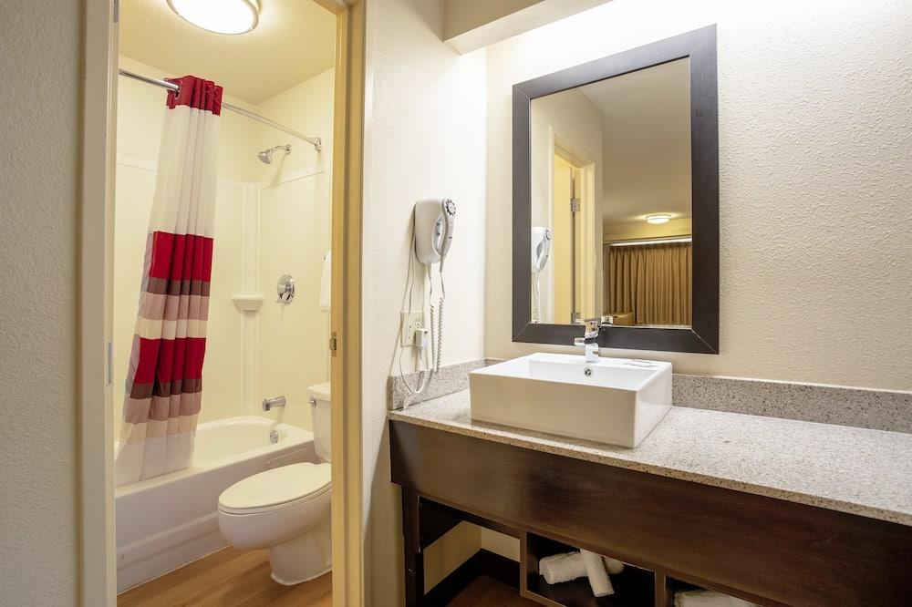 尊榮客房, 2 張標準雙人床 (Upgraded Bedding & Snack, Smoke Free) - 浴室