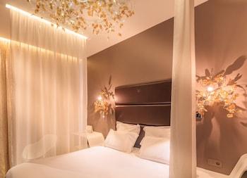 Picture of Hotel Legend Saint Germain by Elegancia in Paris