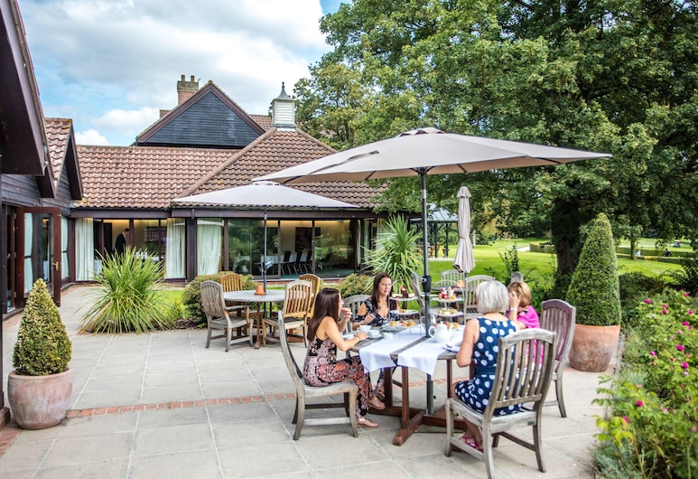 Barnham Broom Hotel, Golf & Spa, Norwich, Superior Suite, Terrace/Patio