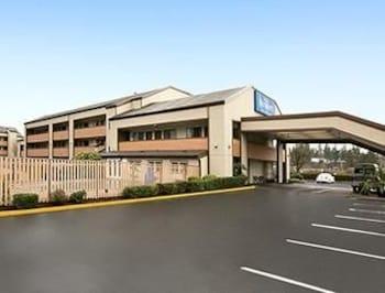 Picture of Baymont Inn & Suites Seattle/Kirkland WA in Kirkland