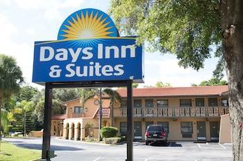 Picture of Days Inn & Suites by Wyndham Altamonte Springs in Altamonte Springs