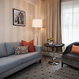 Suite (Spreckels) - Living Area