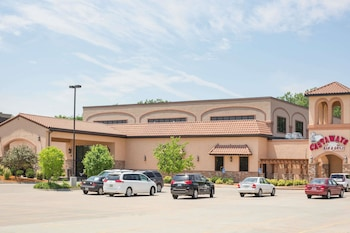 Picture of Ramada Tropics Resort & Conference Center Des Moines in Urbandale