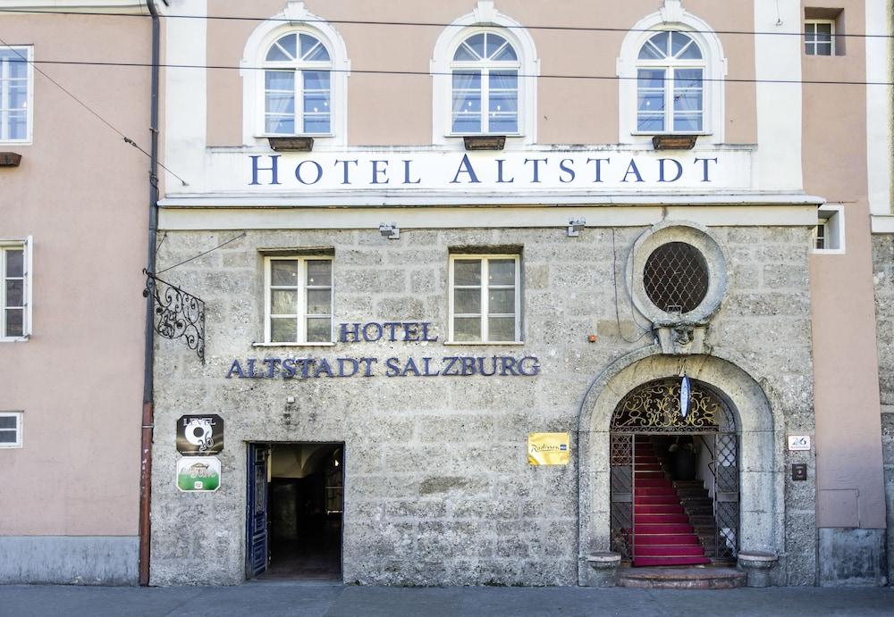 book radisson blu hotel altstadt in salzburg. Black Bedroom Furniture Sets. Home Design Ideas