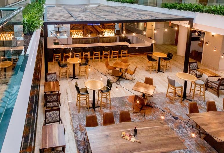 Embassy Suites by Hilton Lexington Green, Lexington, Hotel Bar