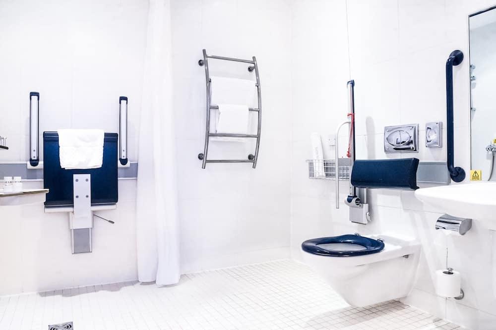 חדר, נגישות לנכים (Roll-In Shower) - חדר רחצה