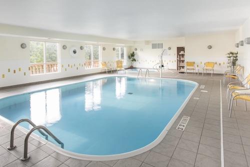 布蘭森萬豪費爾菲爾德套房飯店/