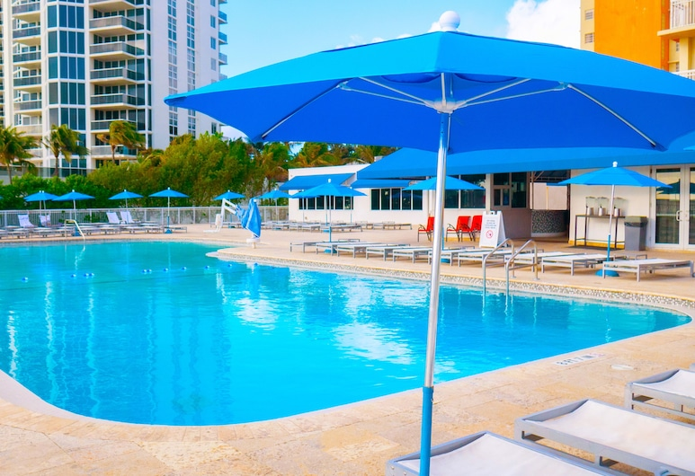 Ramada Plaza by Wyndham Marco Polo Beach Resort, Sunny Isles Beach, Pool