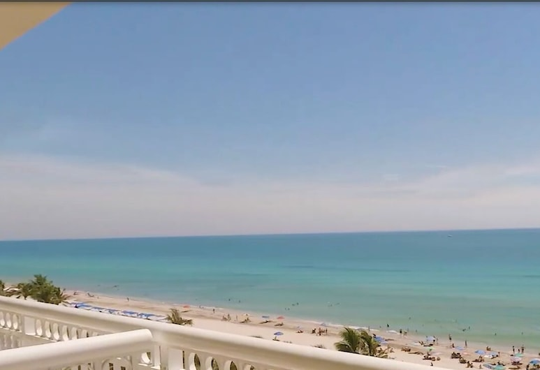 Ramada Plaza by Wyndham Marco Polo Beach Resort, Sunny Isles Beach, Zimmer, 1King-Bett, Ausblick, Meerseite (Non-Smoking), Strand-/Meerblick