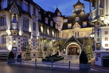 Enter your dates for our Deauville last minute prices