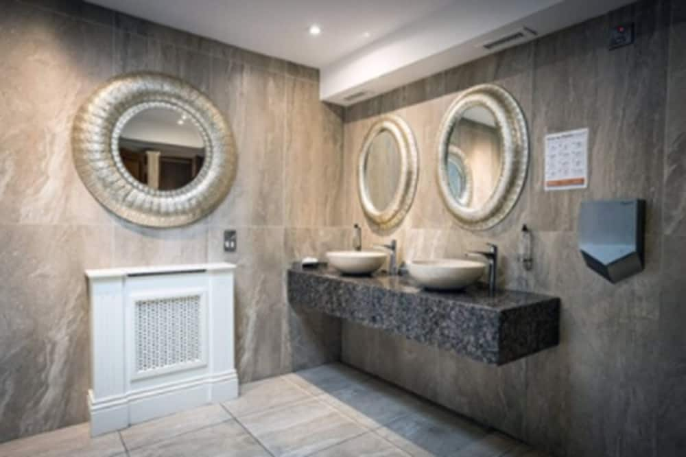 Μονόκλινο Δωμάτιο - Μπάνιο