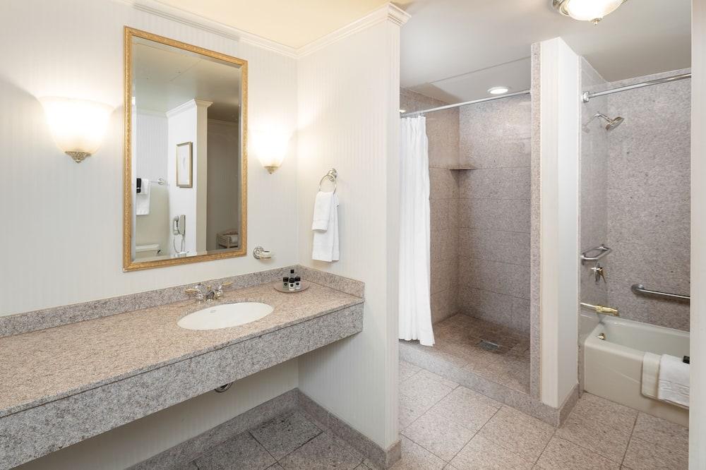 特級客房, 1 張特大雙人床 - 浴室