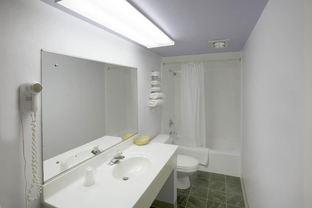 Tuba, 2 kahevoodit, suitsetamine lubatud - Vannituba