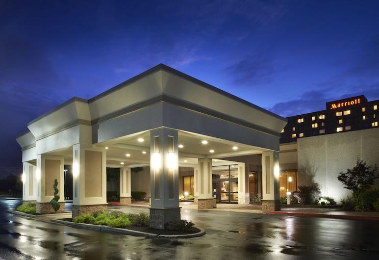 Buffalo Marriott Niagara, Amherst, Entrada del hotel