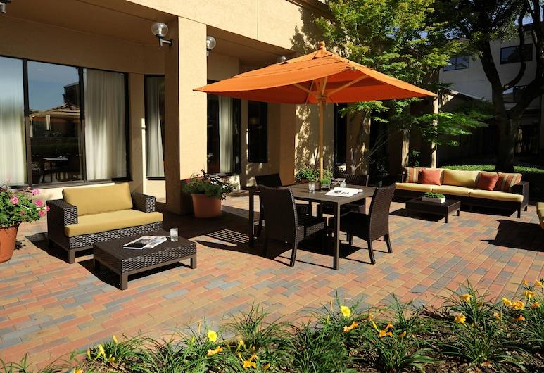 Courtyard by Marriott Dallas Plano Parkway at Preston Road, פלנו, מרפסת/פטיו