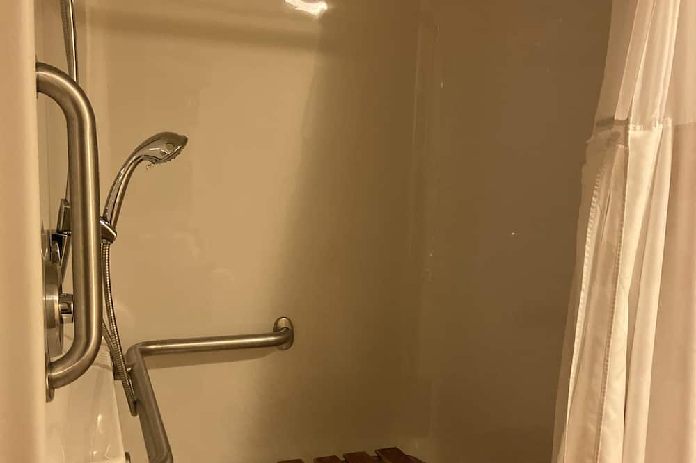 Zimmer, 2Doppelbetten, Nichtraucher - Badezimmer