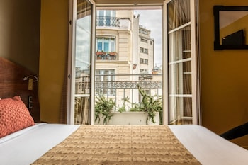 Picture of Moulin Plaza Hotel in Paris