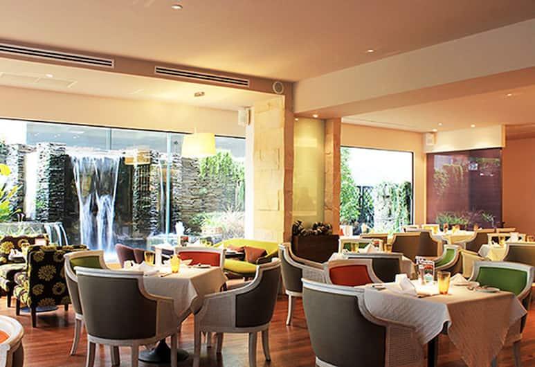 セント ジェームス ホテル, バンコク, 朝食スペース
