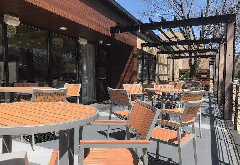 Best Western Plus InnTowner Madison, Madison, Terassi/patio