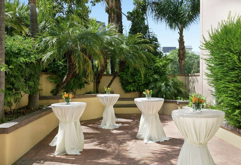 Embassy Suites by Hilton, Los Angeles - Downey, Downey, Terraza o patio