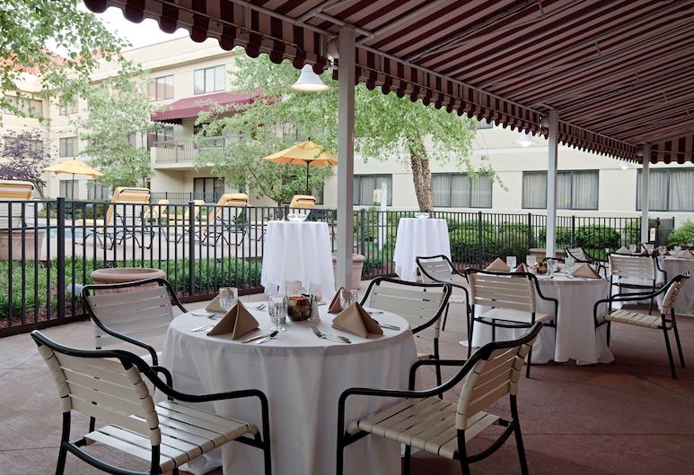 DoubleTree Suites by Hilton Cincinnati - Blue Ash, Cincinnati, Terraço/Pátio Interior