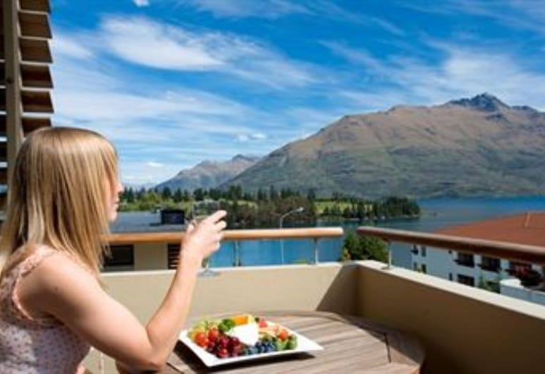 Garden Court Suites And Apartments, Queenstown, Standard Apartment, 2 Bedrooms, Balcony, Terrace/Patio