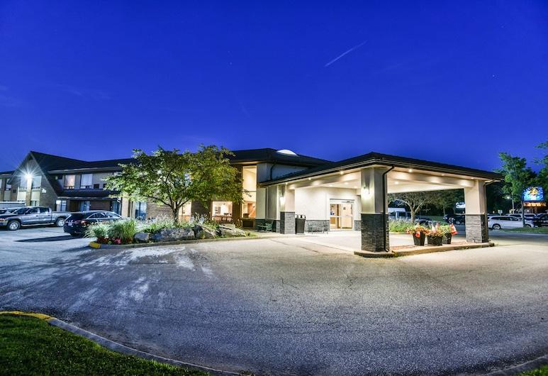 Comfort Inn Chatham, צ'ת'אם-קנט, חזית המלון - ערב/לילה