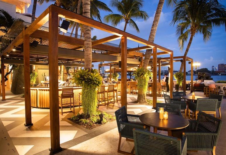 アナンタラ・バンコク・リバーサイド・リゾート&スパ, バンコク, 屋外レストラン
