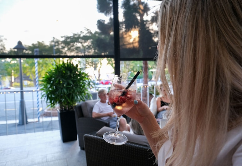 Pacific Hotel Brisbane , Spring Hill, Outdoor Dining