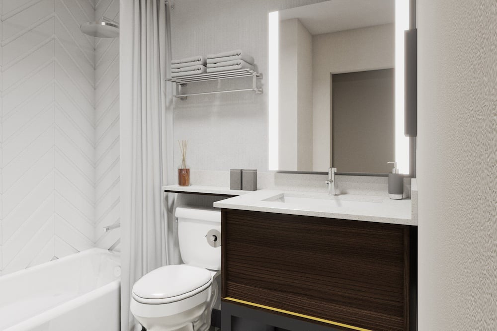 Room, 2 Queen Beds, Accessible, Non Smoking (Mobility Tub) - Bathroom