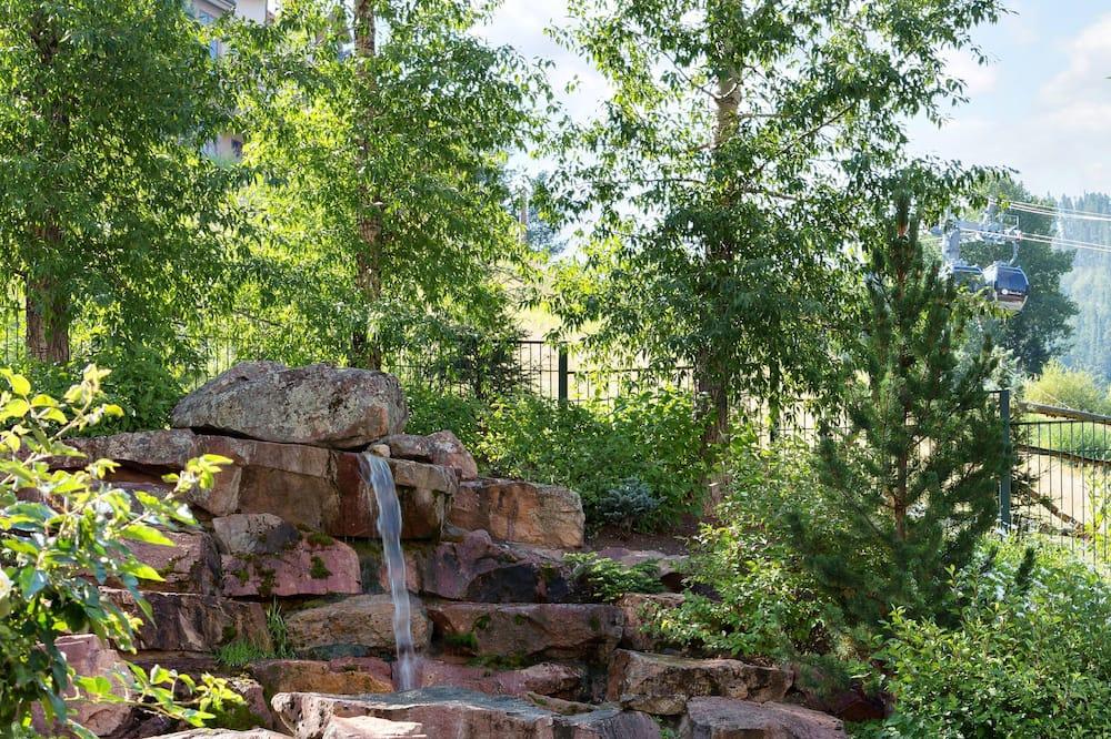 Εξωτερική μπανιέρα υδρομασάζ