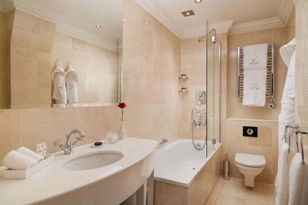 Pagerinto tipo dvivietis kambarys (2 viengulės lovos) - Vonios kambarys